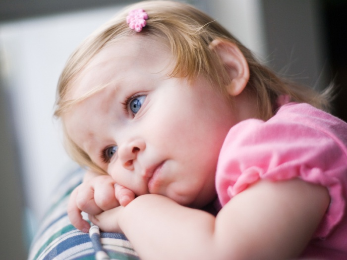 Стоит ли прощаться с ребенком, если уходишь по делам?