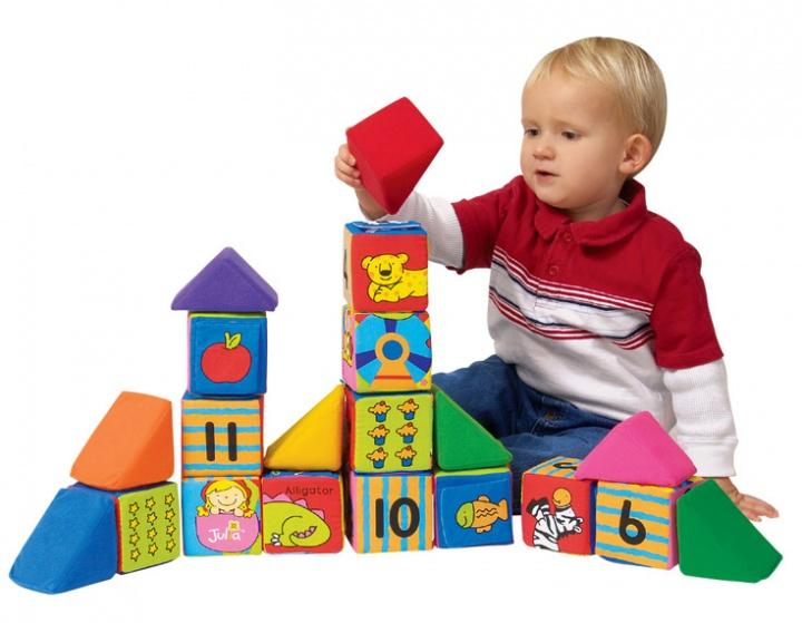 Нужны ли развивающие игры для детей