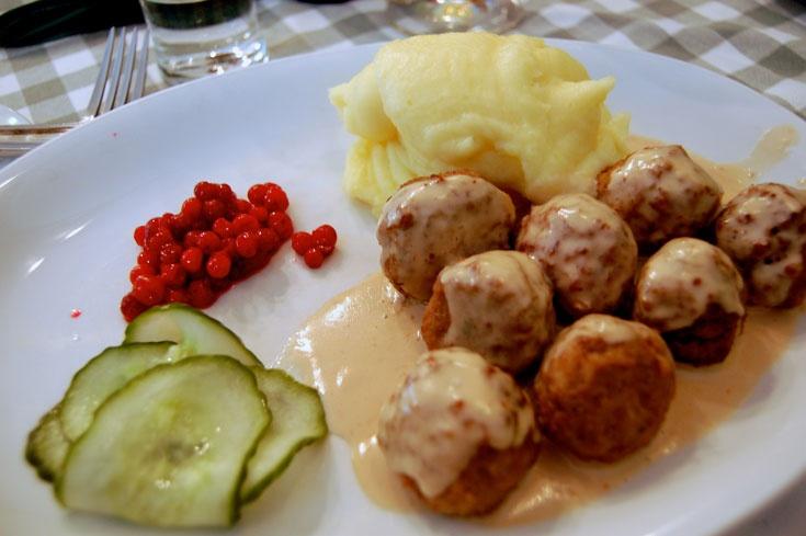 Шведская еда - ароматная выпечка и странные сочетания.