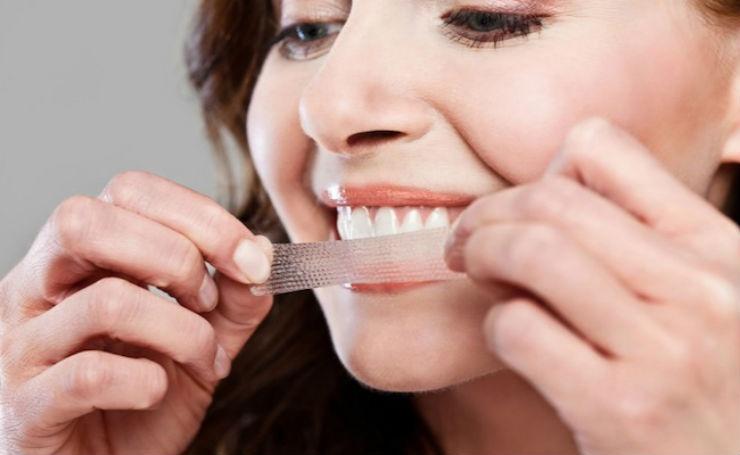Как выбрать отбеливающие полоски для зубов