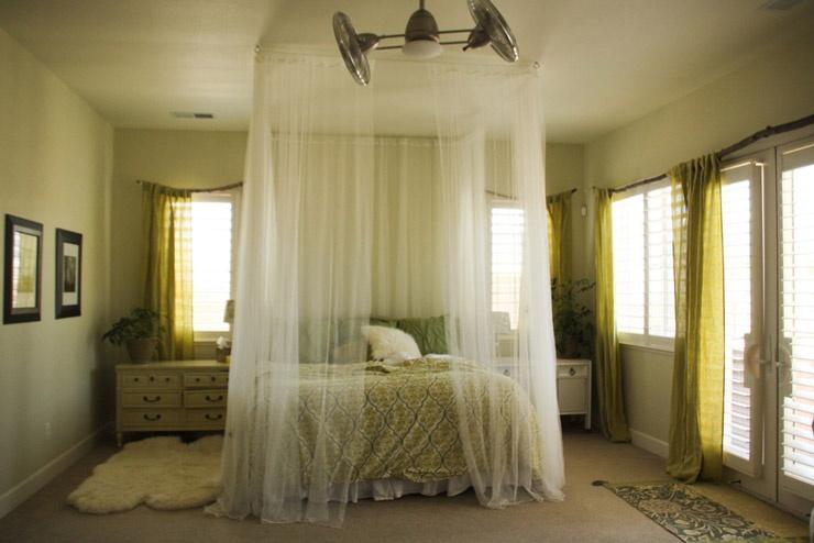 Балдахин над кроватью. Как правильно выбрать и повесить?
