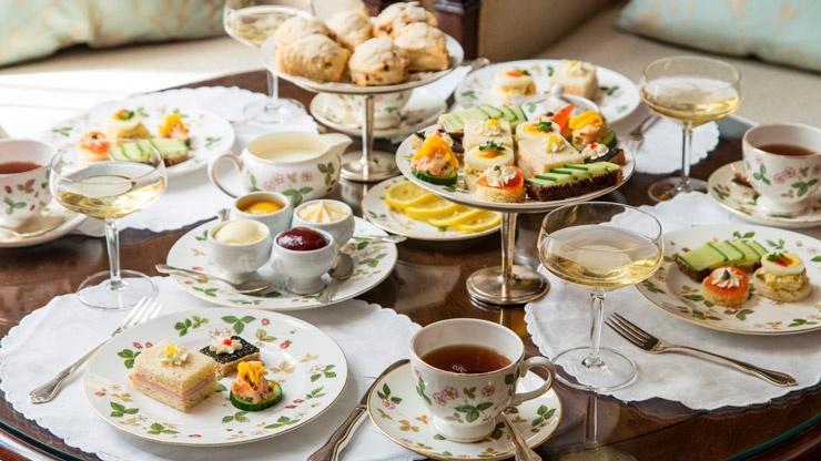 История происхождения чайного набора. Первый британский сервиз