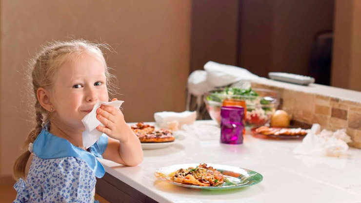 Обучаем ребенка правилам поведения за столом