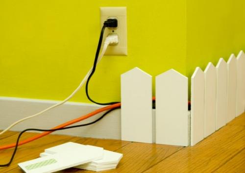 Креативный декор для организации кабелей.